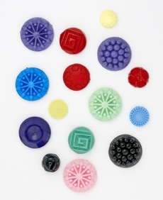 lauras-buttons